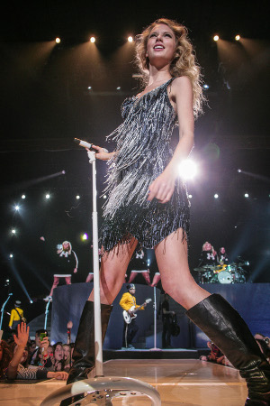 Taylor Swift by Steele Images